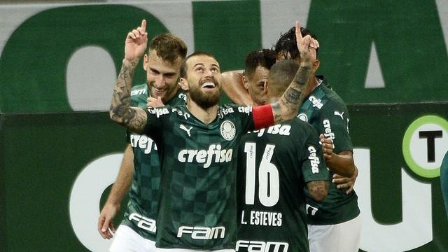 Gol de Lucas Lima em Palmeiras x São Caetano