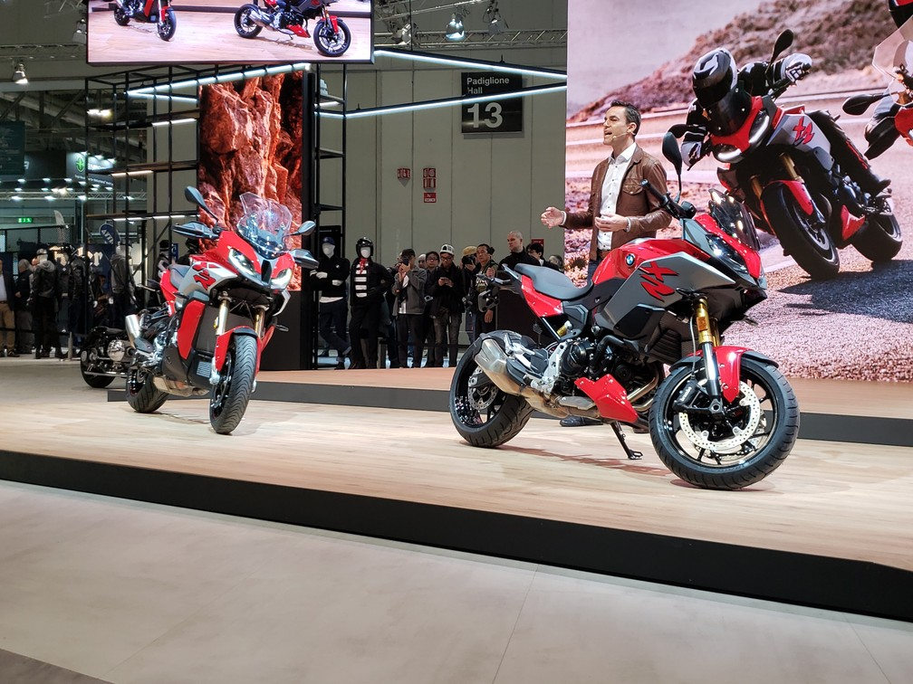 BMW S 1000 XR (left) and F 900 XR (right); Timo Resch, Head of Sales and Marketing at BMW Motorrad - Photo: Rafael Miotto / G1