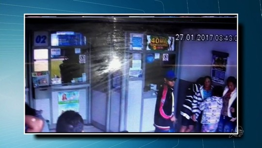 Homens roubam lotérica no Ceará, e clientes passam mal; vídeo