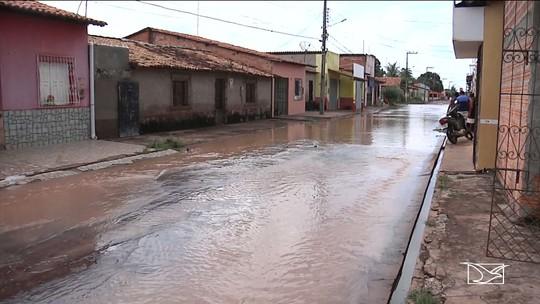 Constantes alagamentos revelam descaso com os moradores do bairro Santo Antônio em Codó