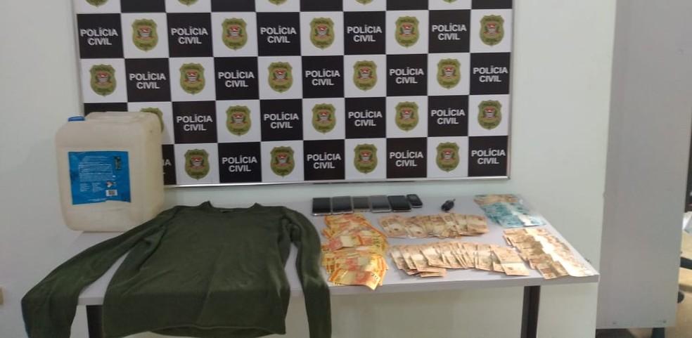 Segundo a polícia, detidos já tinham passagens por furto e roubo  — Foto: Polícia Civil/Divulgação