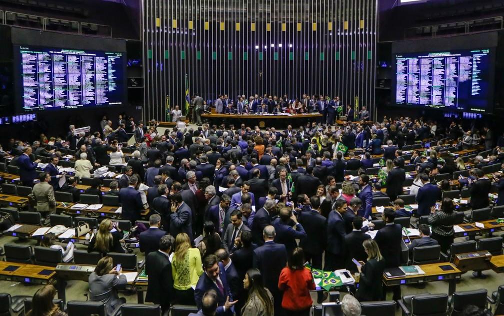 Plenário da Câmara aprova em 1º turno o texto-base da reforma da Previdência — Foto: Gabriela Biló/Estadão Conteúdo