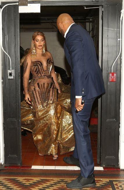 Os detalhes do vestido de Beyoncé para o Wearable Art Gala 2018 (Foto: Reprodução/Beyonce.com)