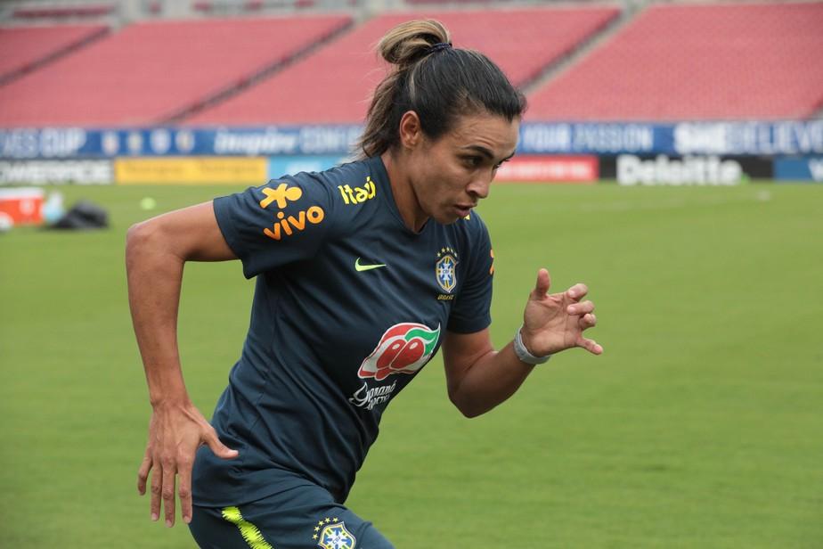 Seleção feminina encerra participação em torneio amistoso nos EUA contra as anfitriãs