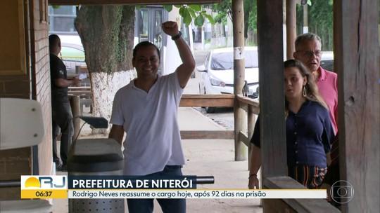 Prefeito de Niterói Rodrigo Neves deixa presídio