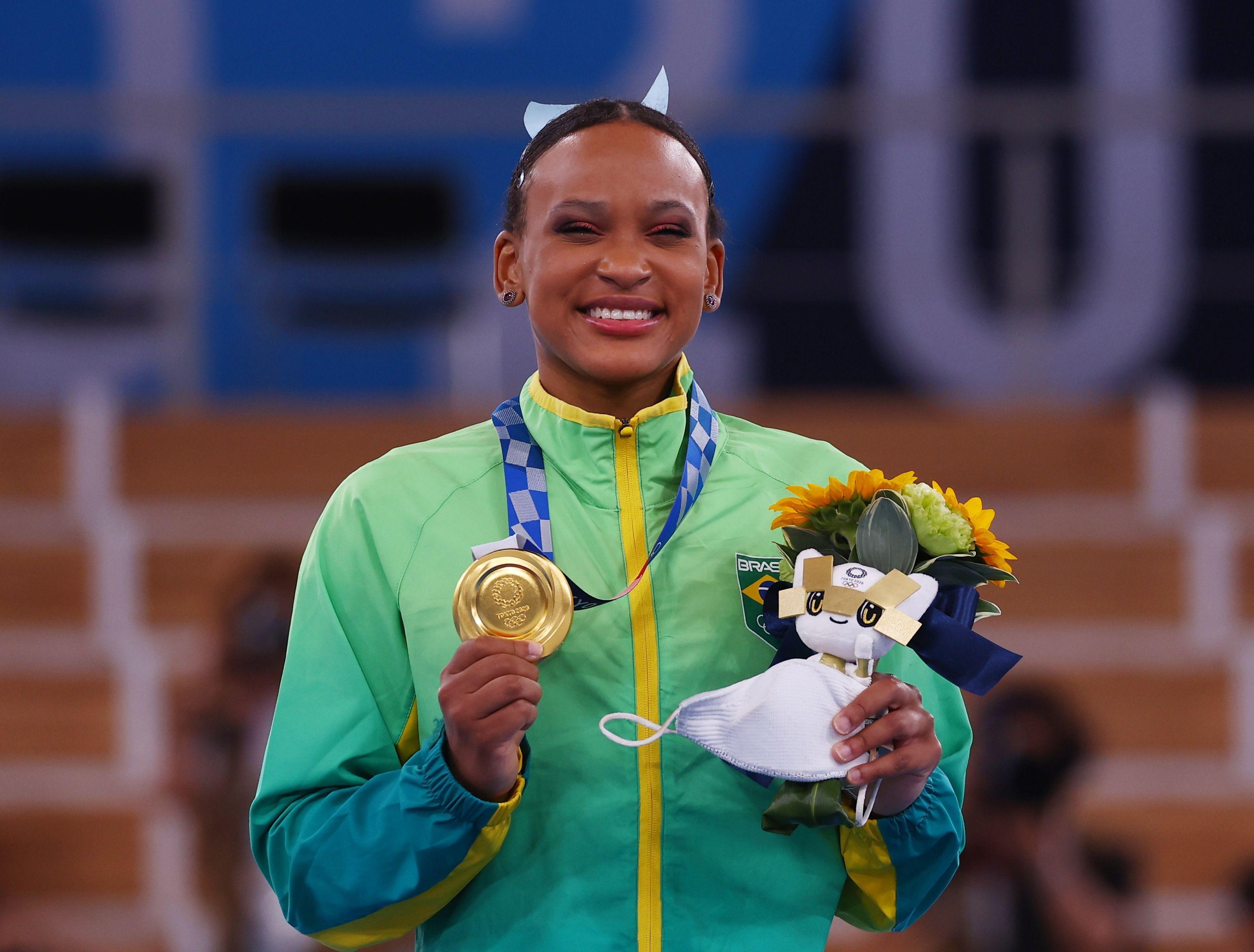 Rebeca Andrade, ouro histórico no salto: veja FOTOS e VÍDEOS da ginasta em Tóquio