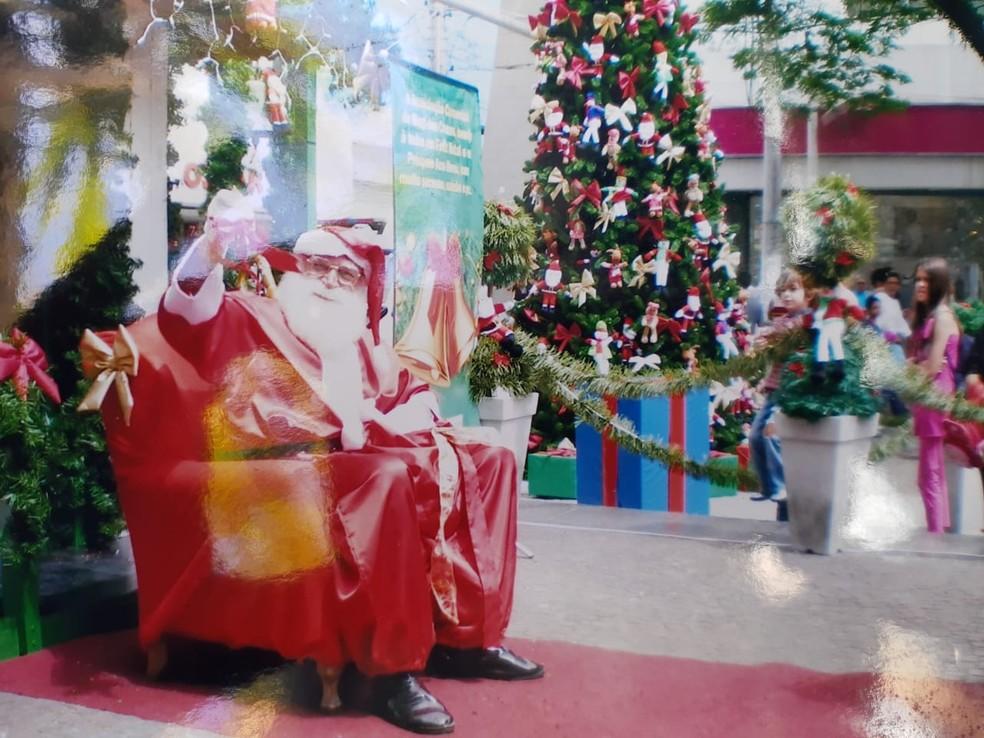 Gustavo se tornou Papai Noel por acaso e diz amar o trabalho — Foto: Gustavo Schmidt/Arquivo Pessoal