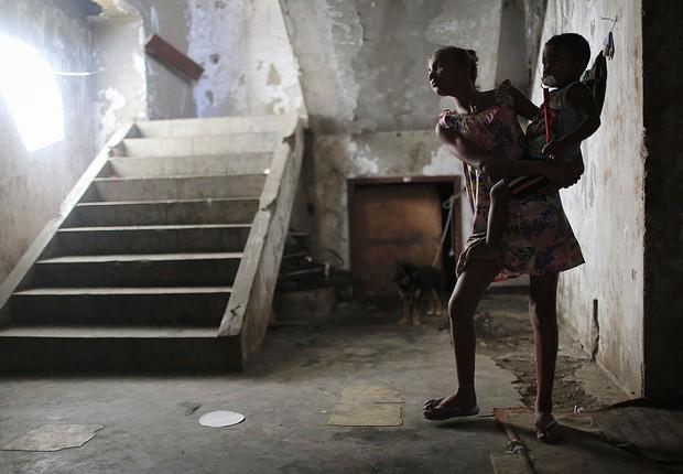 Crianças em favela do Rio de Janeiro (Foto: Mario Tama/Getty Images)