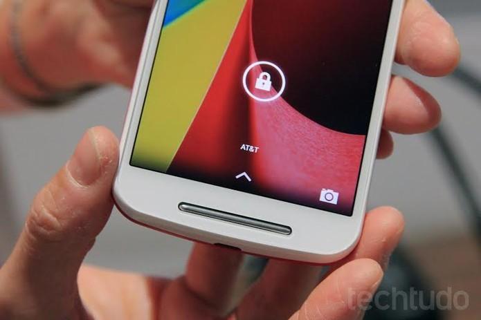 Moto G possui tela de cinco polegadas com resolução HD (Foto: Isadora Díaz/TechTudo)
