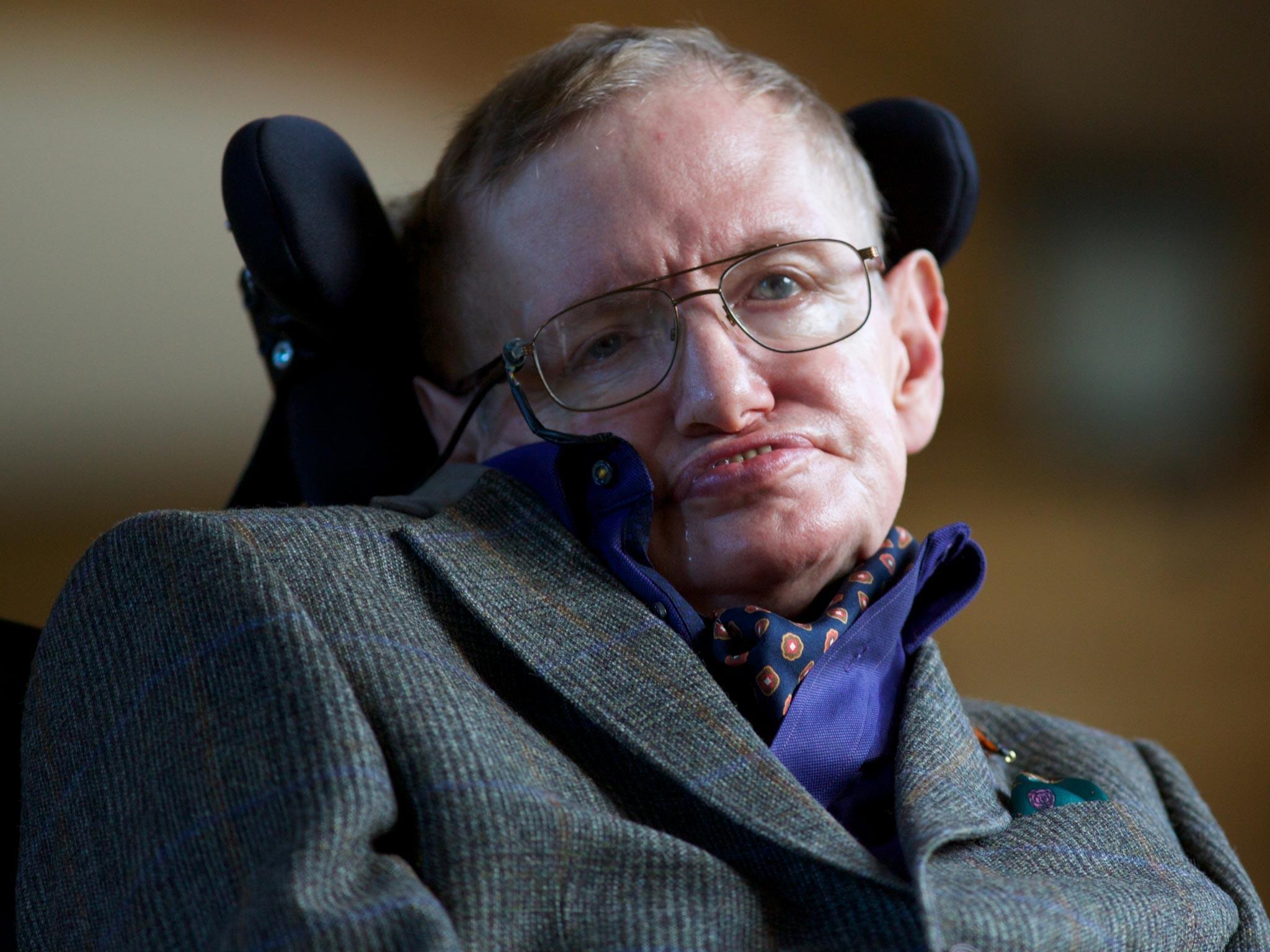 Stephen Hawking teme que o futuro possa cair nas mãos das inteligências artificiais (Foto: Reprodução)