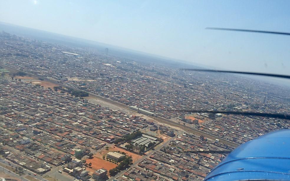 Imagem aérea de Ceilândia durante o dia (Foto: Filipe Alves/VC no G1)