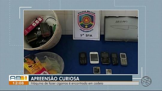 Polícia apreende celulares e máquina de fazer cigarros após revista na Cadeia de Saloá