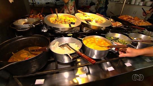 Jornalista Mirim fala sobre a culinária goiana e aprende receitas tradicionais