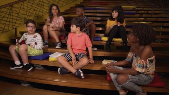 Crianças revelam o que pensam da infância num papo com a atriz mirim Brisa Bahia
