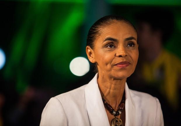 Marina Silva, candidata à presidência pelo PSB, conversa com jornalistas após as eleições do primeiro turno no Brasil (Foto: Victor Moriyama/Getty Images)