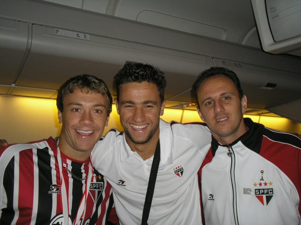 Lugano, Alex Bruno e Ceni no Mundial de 2005, com o São Paulo — Foto: Arquivo pessoal Souza