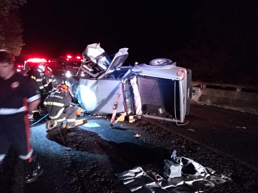 Motorista perdeu o controle do veículo perto de um dos acessos da rodovia  — Foto: Arquivo pessoal/Ricardo Pereira Lucas