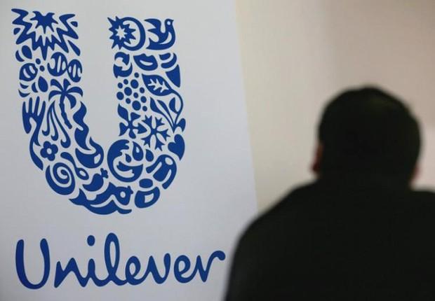 O logo do grupo Unilever é visto em fábrica em Saint-Dizier, na França (Foto: Philippe Wojazer/Arquivo/Reuters)