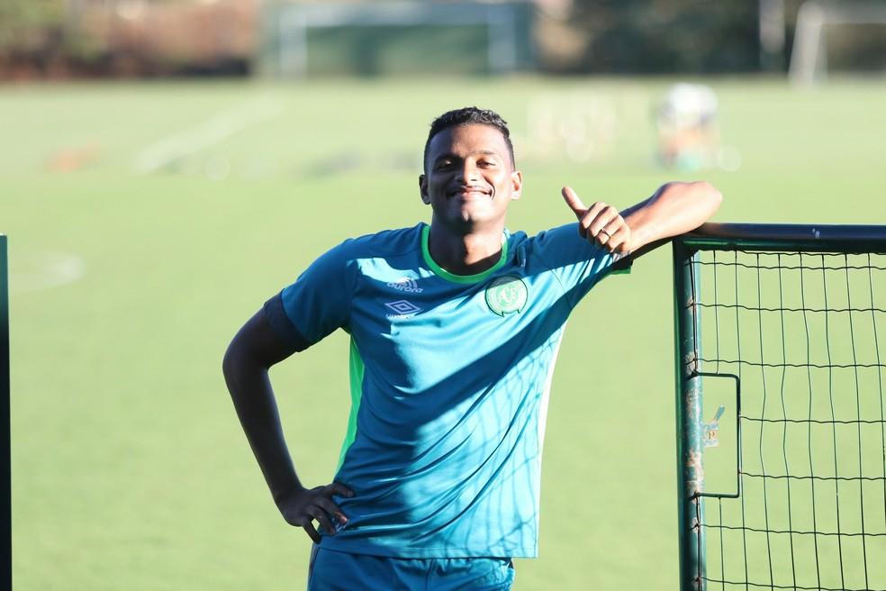 Reinaldo, lateral do São Paulo, está emprestado para a Chapecoense (Foto: Sirli Freitas/Chapecoense)