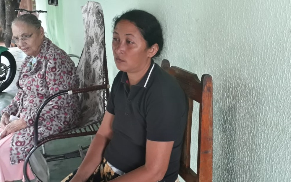 Maria Natividade perdeu a casa, criação de animais, objetos e móveis, em Pontalina — Foto: Vanessa Martins/G1