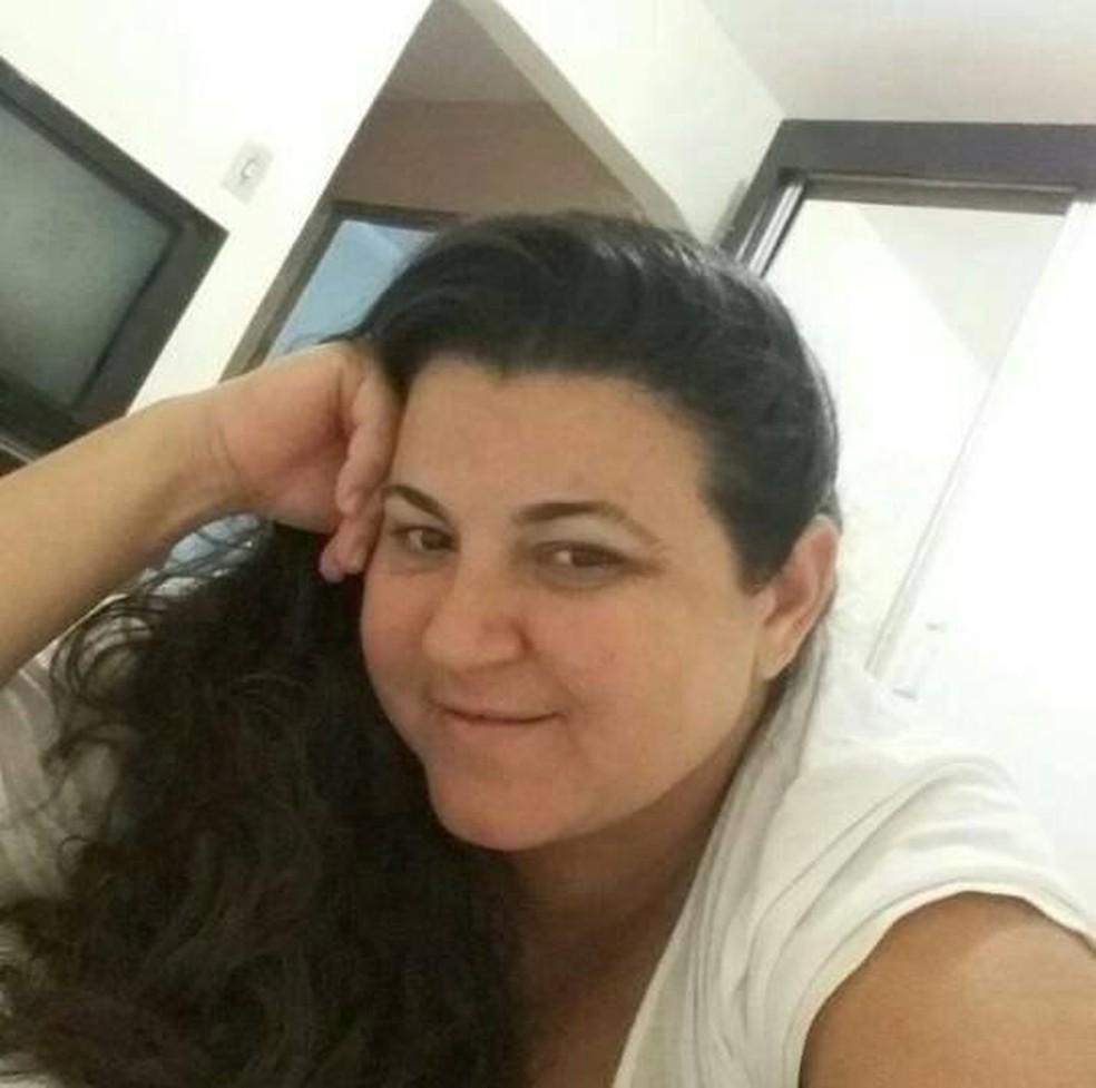 Lidiana Cristina, de 46 anos, foi atingida por tiro dentro do seu bar e morreu, em Apodi, RN (Foto: Arquivo pessoal)