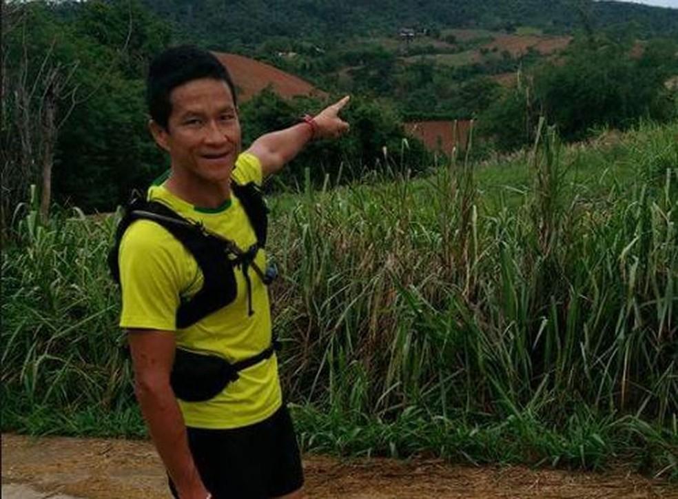 Saman Kunan, ex-integrante da Marinha tailandesa, morreu enquanto participava de operação de resgate de meninos na caverna Tham Luang (Foto: Reprodução/Facebook/Saman Kunan)