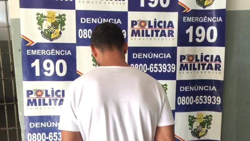 Pai foi detido depois que o filho dele foi internado ao ingerir comprimidos LSD em Rondonópolis — Foto: Polícia Militar de Rondonópolis/Divulgação