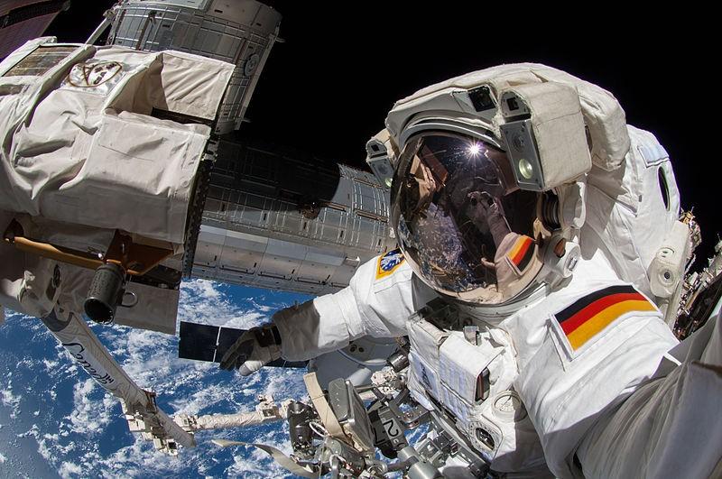 Alexander Gerst faz foto no espaço (Foto: Wikimedia Commons )