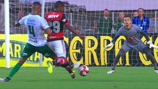 O sonho de criança: Lincoln faz 1º jogo pelo Flamengo no ES e família vai ao delírio