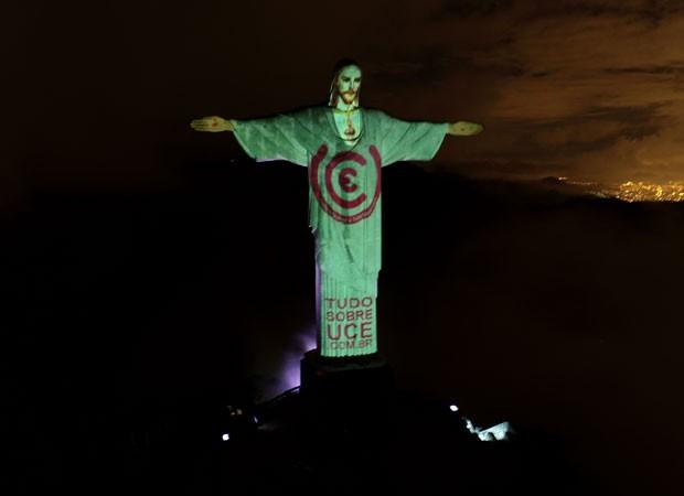 Cristo Redentor recebeu para alerta sobre a UCE (Foto: Divullgação)