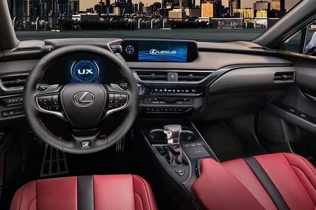 Interior do Lexus UX 250h apela para couro, painel digital e design ousado (Foto: Divulgação)