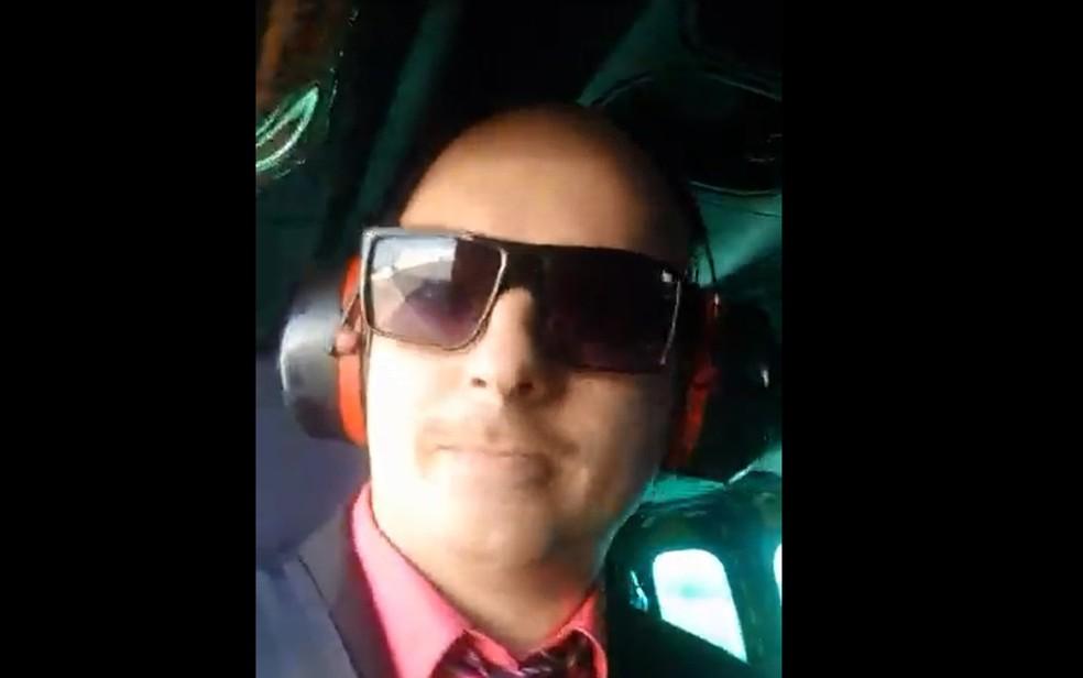 Sobrinho de Bolsonaro grava vídeo do transporte de familiares em aeronave da FAB — Foto: Facebook/reprodução