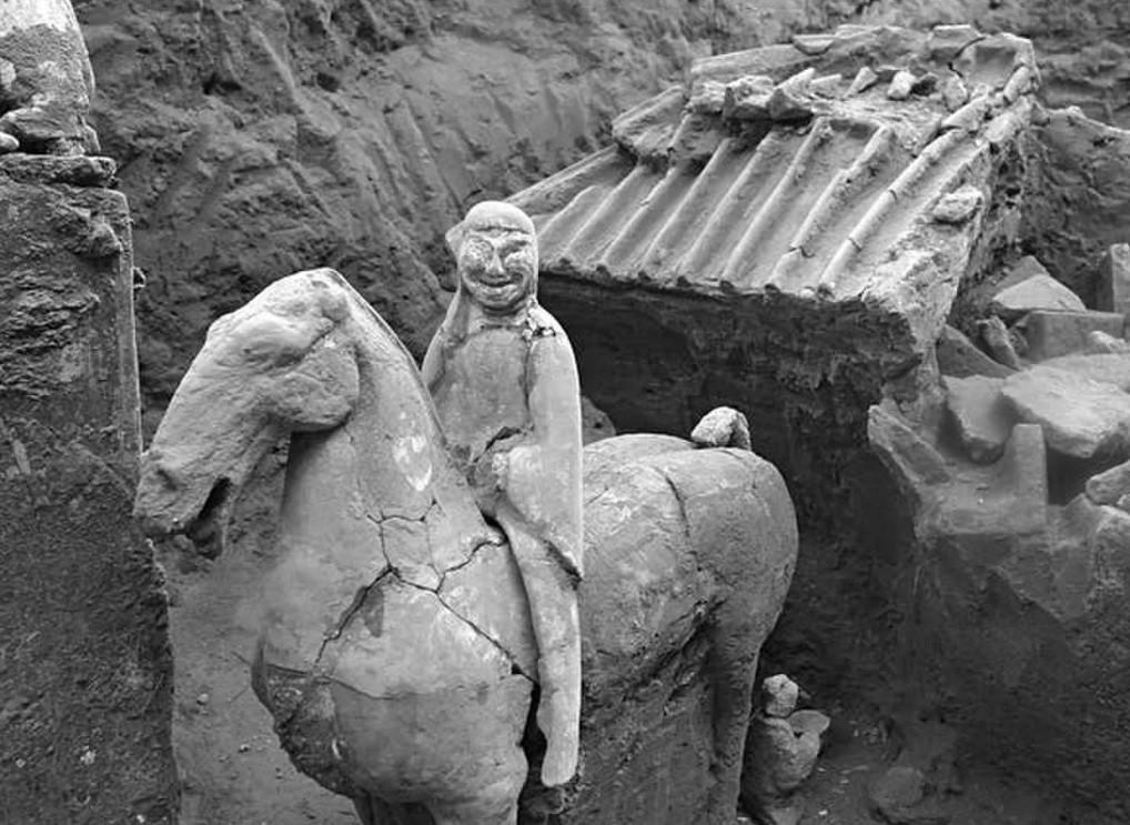 Cavaleiro em terracota chinês (Foto: Divulgação/ Relíquias Culturais Chinesas )