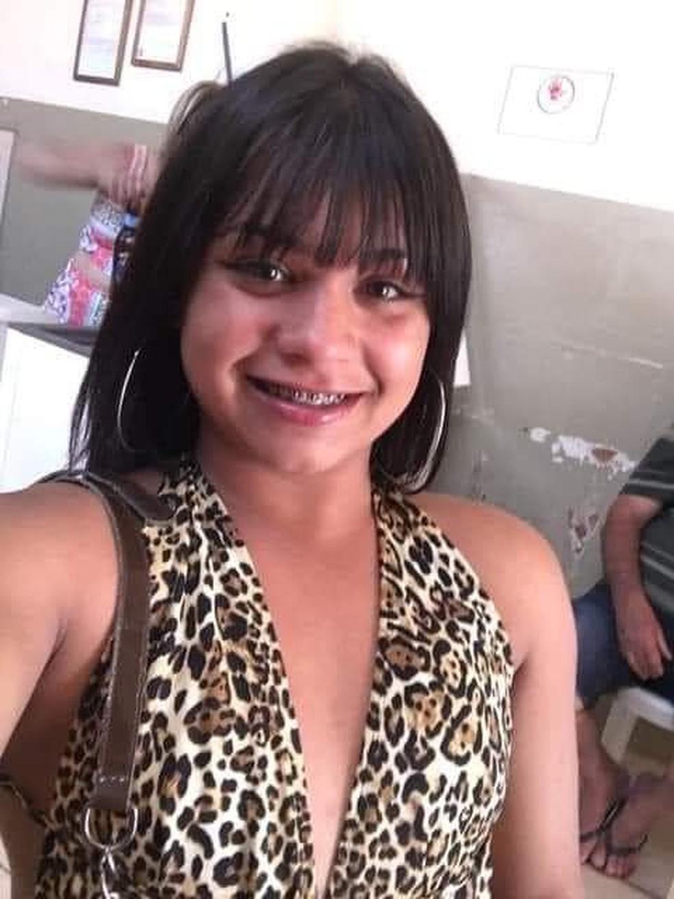 Paolla Bueno, de 17 anos, foi enterrada nesta terça-feira (6) em Ibitinga — Foto: Arquivo pessoal/Tatiana Lobo