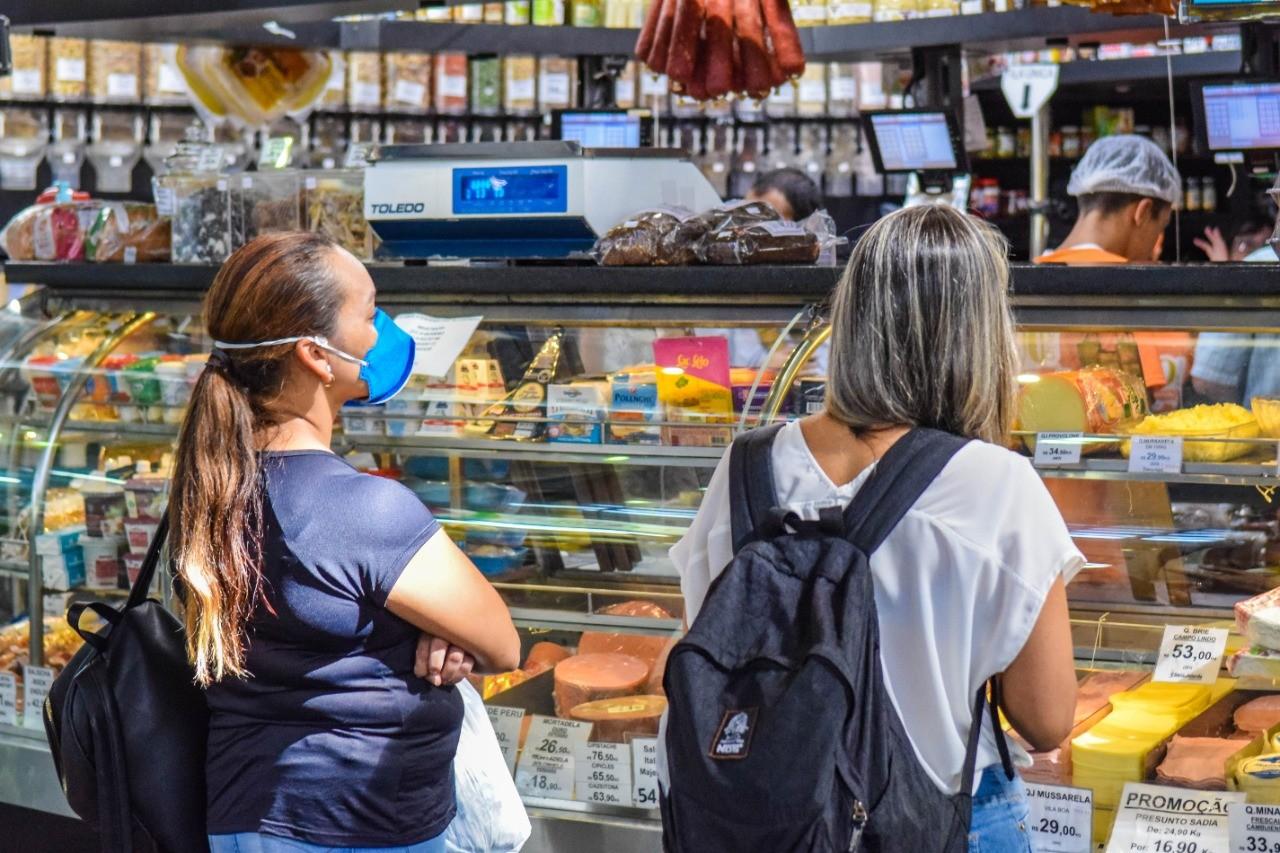 Prefeitura de Porto Alegre libera abertura excepcional do comércio entre sexta e domingo