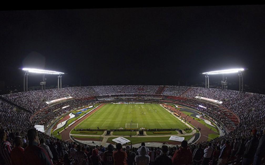 Morumbi receberia bom público para São Paulo x River Plate, mas jogo foi suspenso — Foto: Rubens Chiri / SPFC