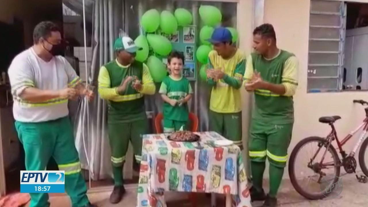 Fã do trabalho de coletores de lixo, menino comemora aniversário com ídolos em Ituverava
