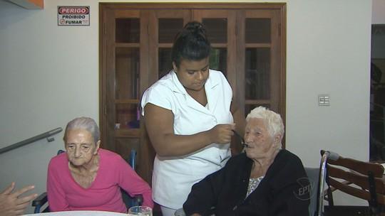 Alzheimer eleva risco de desnutrição em idosos, aponta estudo da USP