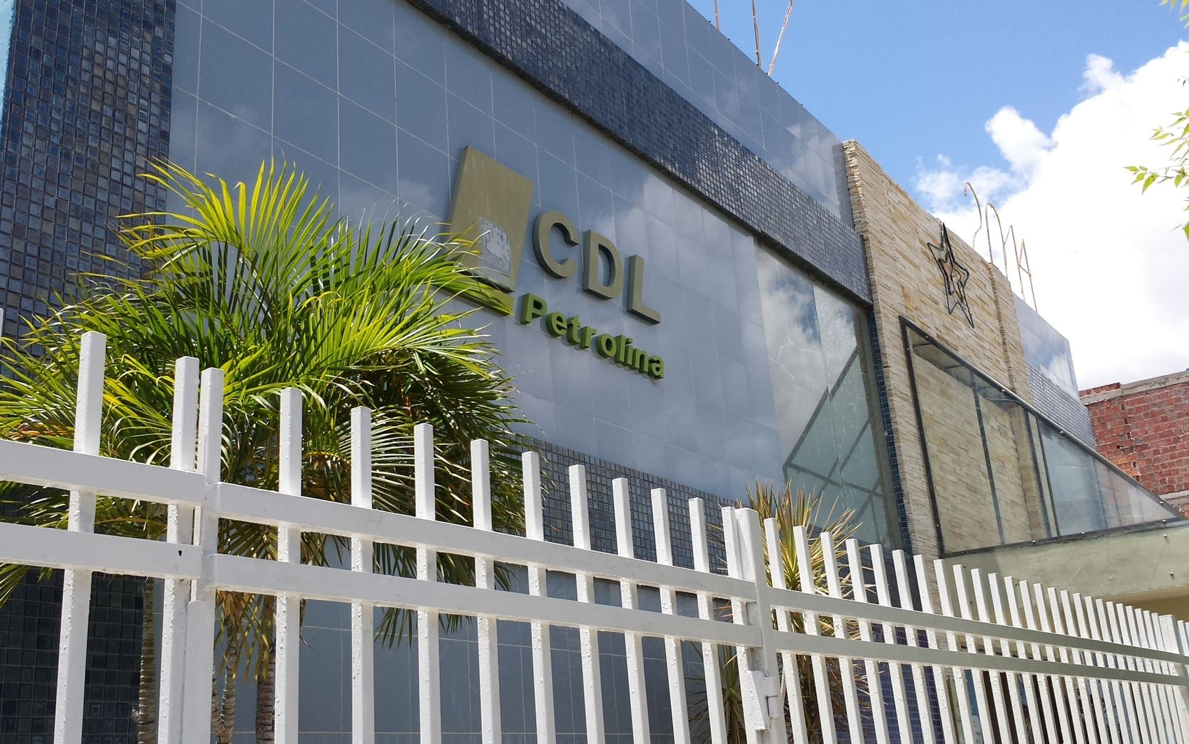 CDL realiza consultas de SPC e Serasa nesta sexta (23) na Praça Dom Malan em Petrolina - Notícias - Plantão Diário