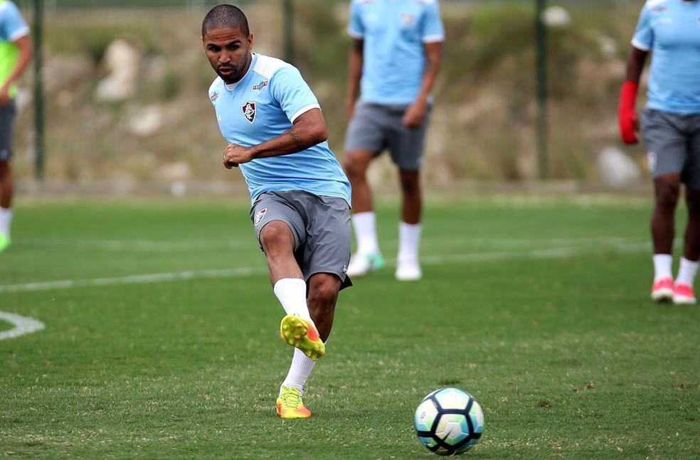 Há uma semana no Rio, Romarinho já treina com os companheiros no CT do Flu (Foto: Lucas Merçon/ Fluminense FC)