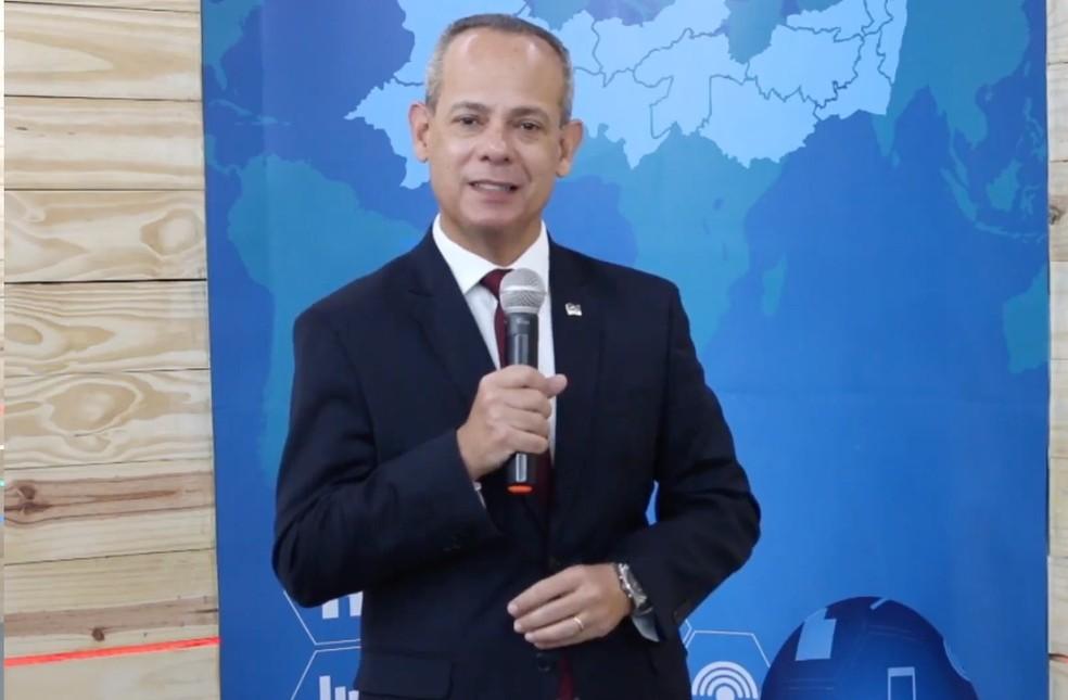 Fred Amâncio, secretário de Educação e Esportes de Pernambuco, falou sobre matrícula de alunos novatos nesta segunda-feira (14) — Foto: Reprodução/Youtube