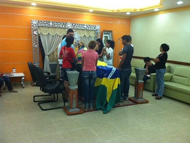 Corpo é velado em Manaus (Foto: Adneison Severiano/G1 AM)