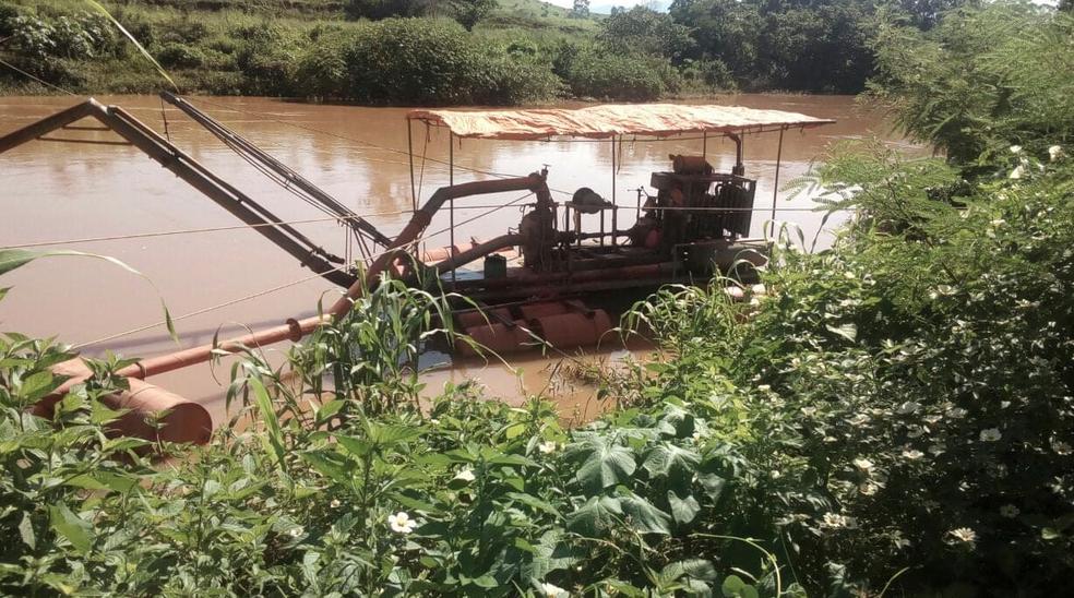 Máquina foi apreendida na área em Bom Jesus do Itabapoana, no RJ (Foto: Divulgação/UPAm)