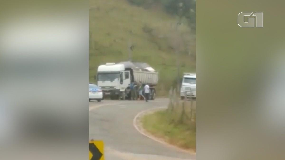Caminhoneiro apanha de policiais e precisa ter conversa com filho de 9 anos ao chegar em casa ferido: 'tem o bom policial e o mau' – G1