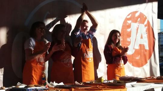 Cuca de Amora com Farofa de Granola vence Festival de Cucas de Joinville