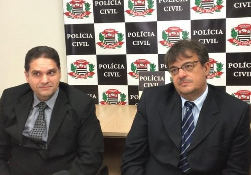 Delegados Alceu e Wander durante coletiva para falar sobre os casos (Foto: Renato Pavarino/G1)