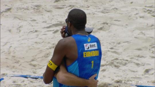 Prévia da Olimpíada? Evandro e Bruno batem Alison e Álvaro e vencem etapa de Ribeirão Preto