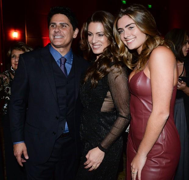 César Filho e Elaine Mickely com a filha, Luma César (Foto: Francisco Cepeda/AgNews)