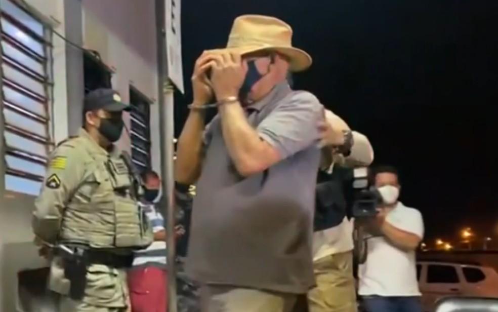 Um dos presos suspeito de ajudar Lázaro Barbosa na fuga em Goiás — Foto: Reprodução/TV Globo