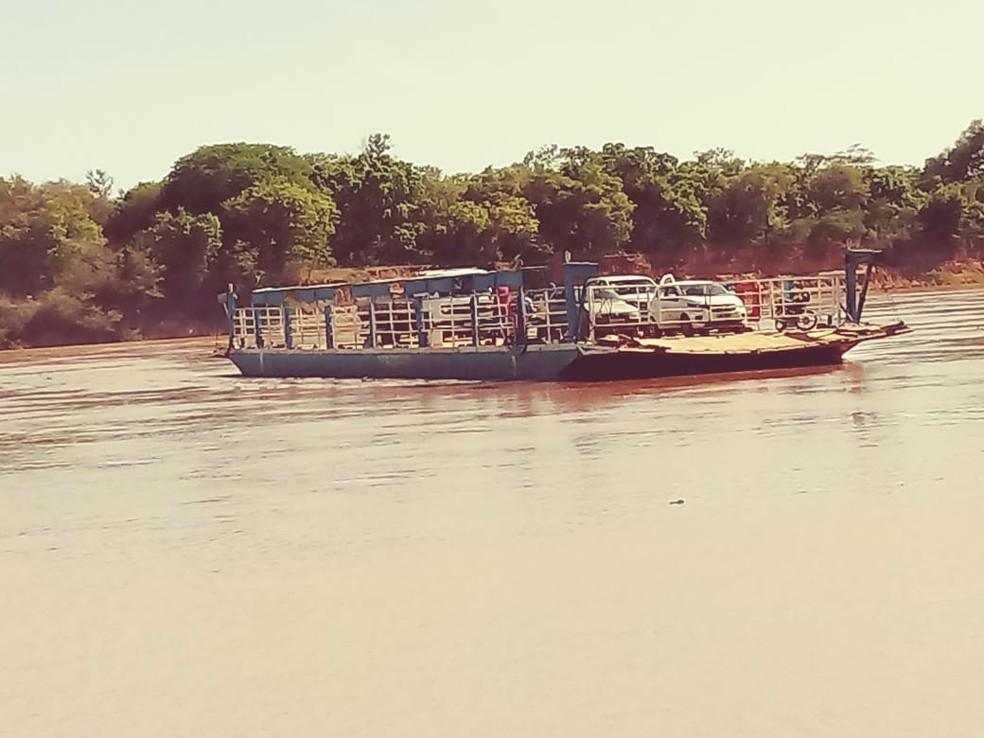 Balsa faz trajeto para Mocambinho a cada uma hora — Foto: Adriano dos Santos/ Arquivo pessoal